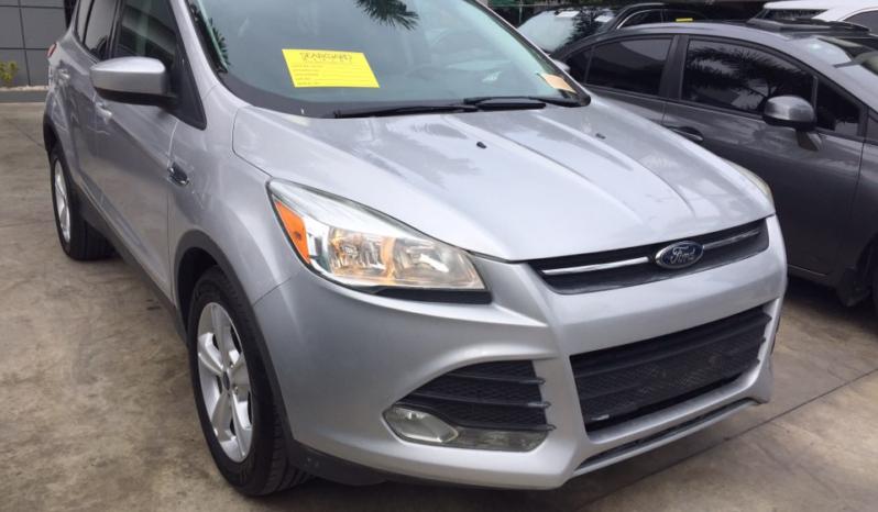 Nuevo 2015 Ford Escape lleno